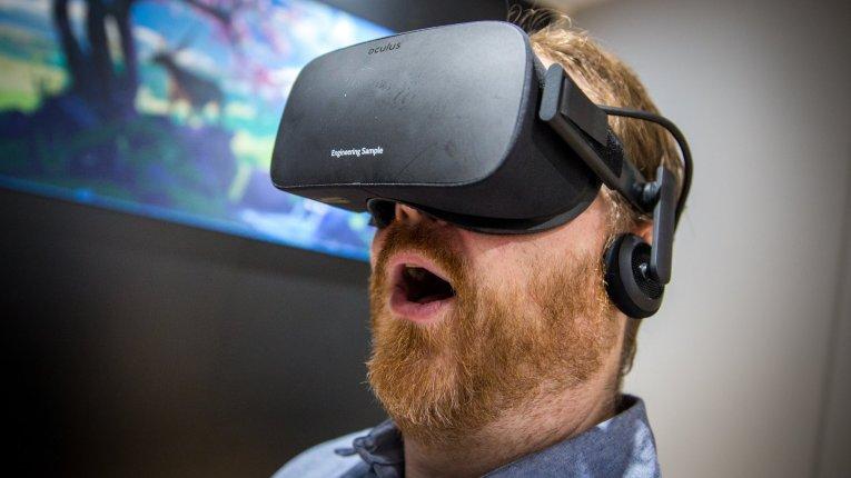 Гарнитура виртуальной реальности Oculus Rift