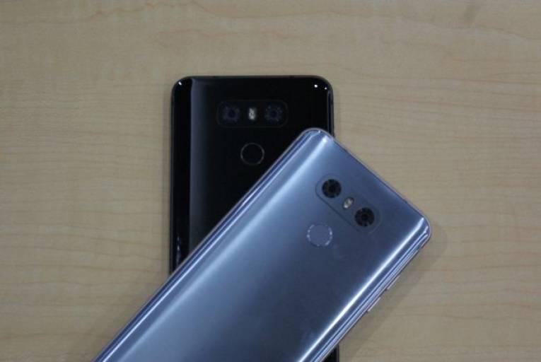 Черный и платиновый LG G6