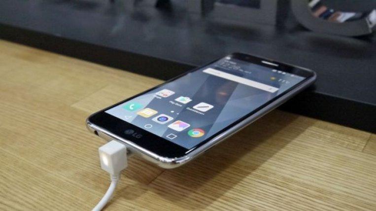 Смартфон LG K10 2017