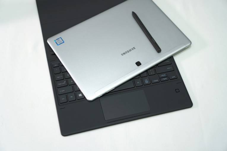 Ноутбук 2 в 1 Samsung Galaxy Book