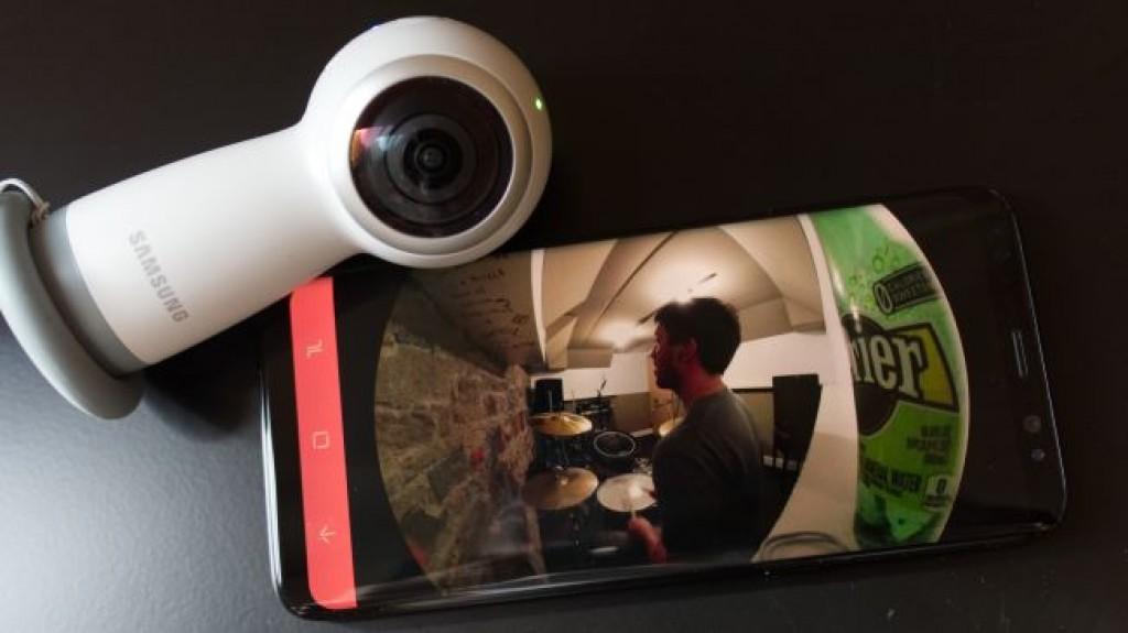 Видеокамера Samsung Gear 360 (2017)