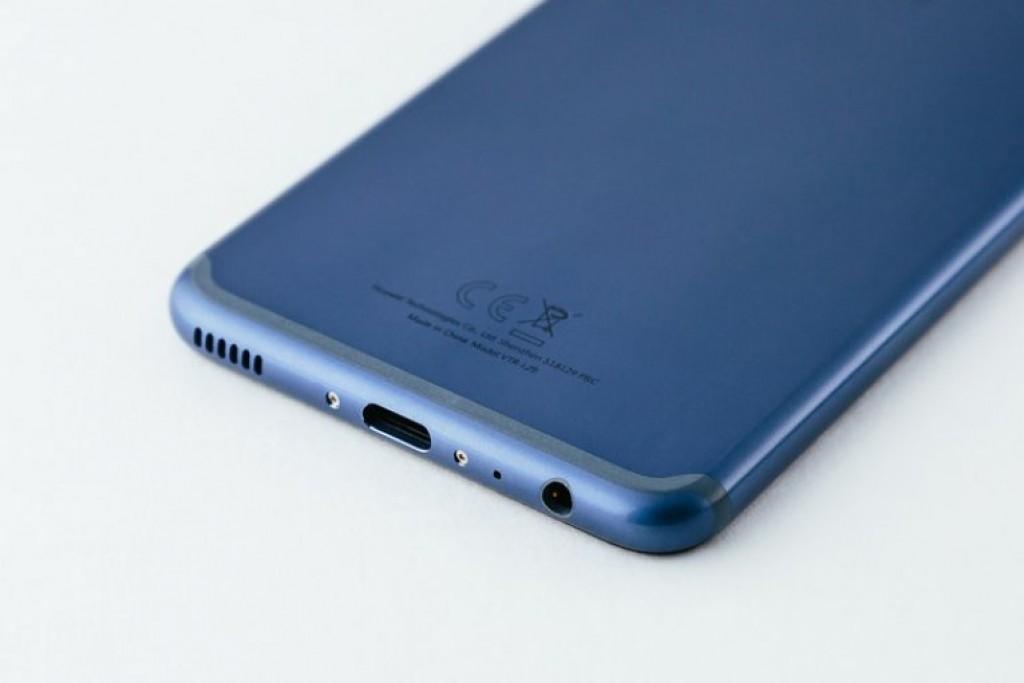 Смартфон Huawei P10 Dazzling Blue