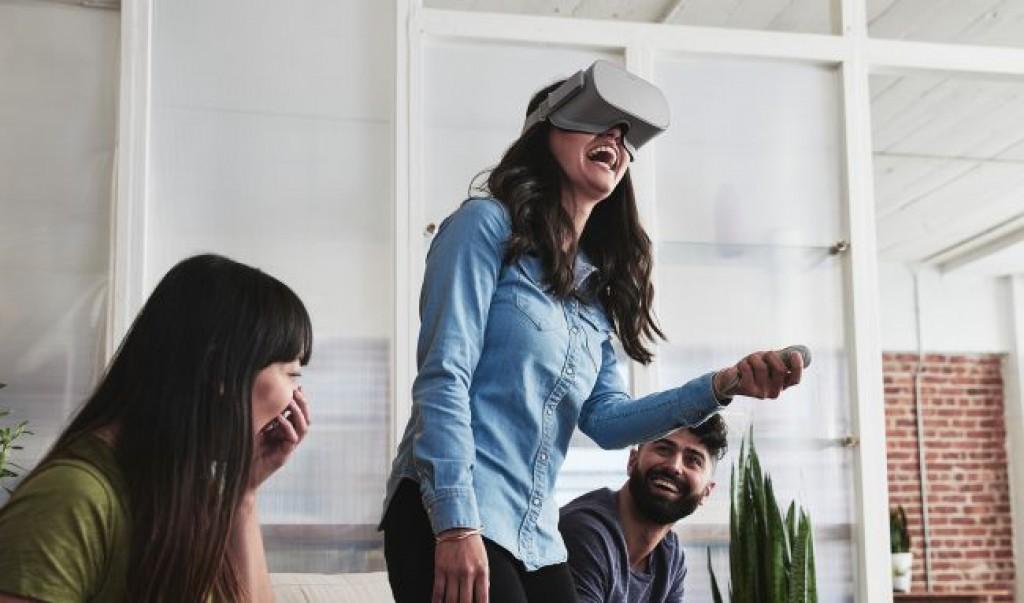 Автономная гарнитура Oculus Go