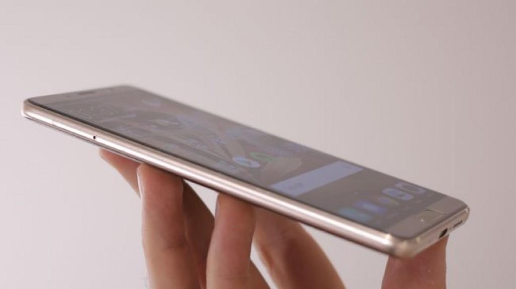 Смартфон Huawei Mate 10