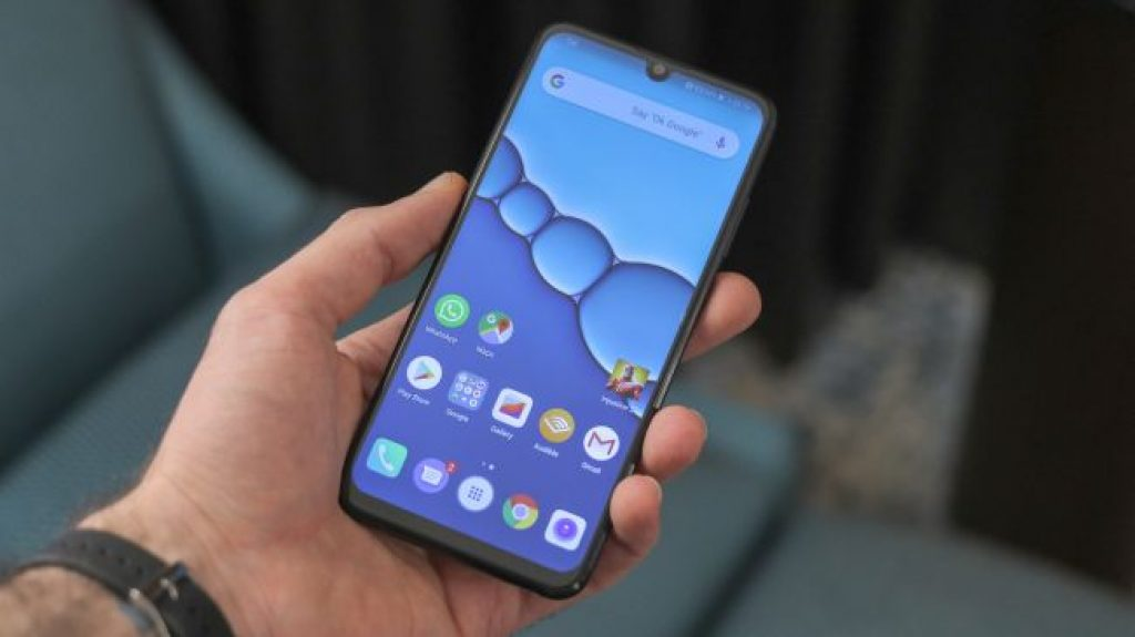 Бюджетный смартфон - Huawei P Smart (2019)