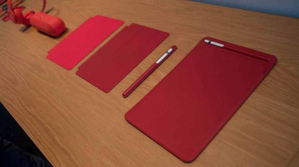 Красный iPhone 8 (Product RED)