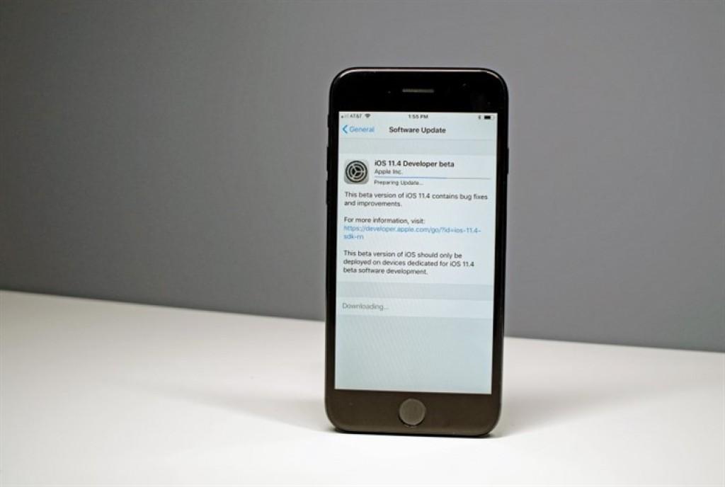Обновление iOS 11.4 на iPhone