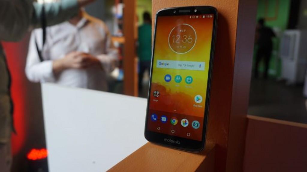 Смартфон Moto E5 - 02
