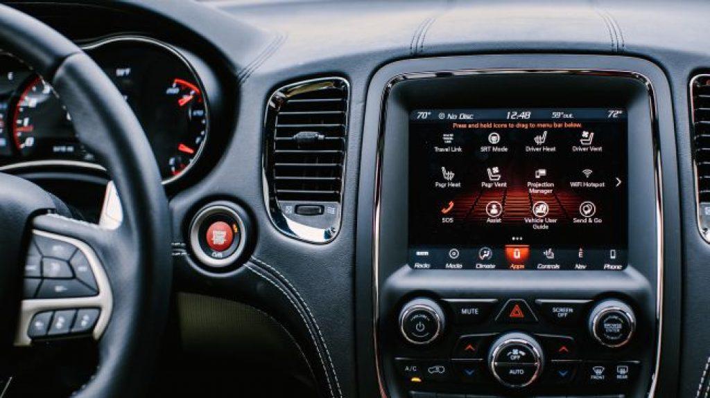 Сенсорная панель Dodge Durango SRT (2018)