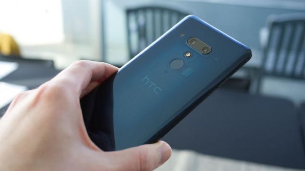 Сравнение HTC U12 Plus