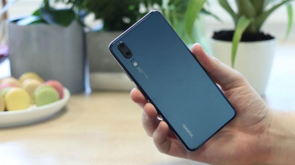 Сравнение Huawei P20