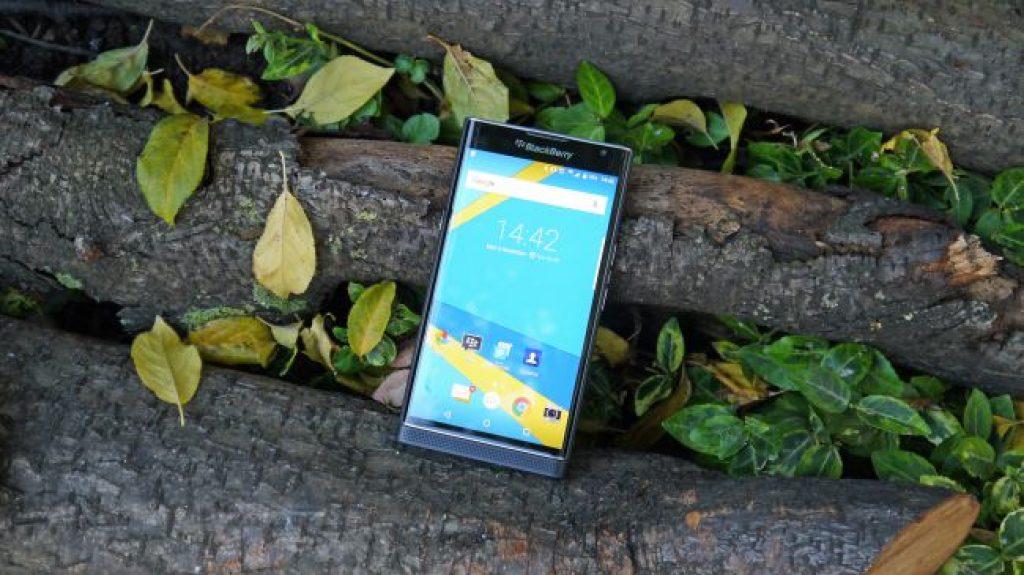 Смартфон для работы - BlackBerry Priv