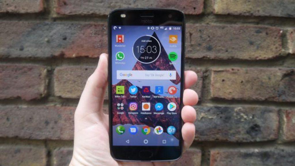 Телефоны для детей - Moto Z2 Play
