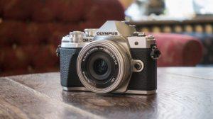 Лучшие фотоаппараты - Olympus OM-D E-M10 Mark III