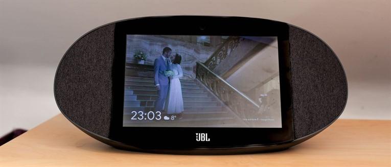 Обзор JBL Link View