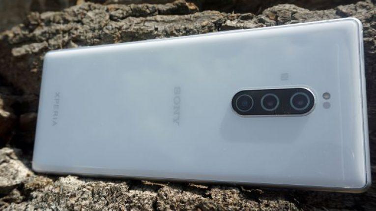 Сравнение: Samsung Galaxy S10 против Sony Xperia 1