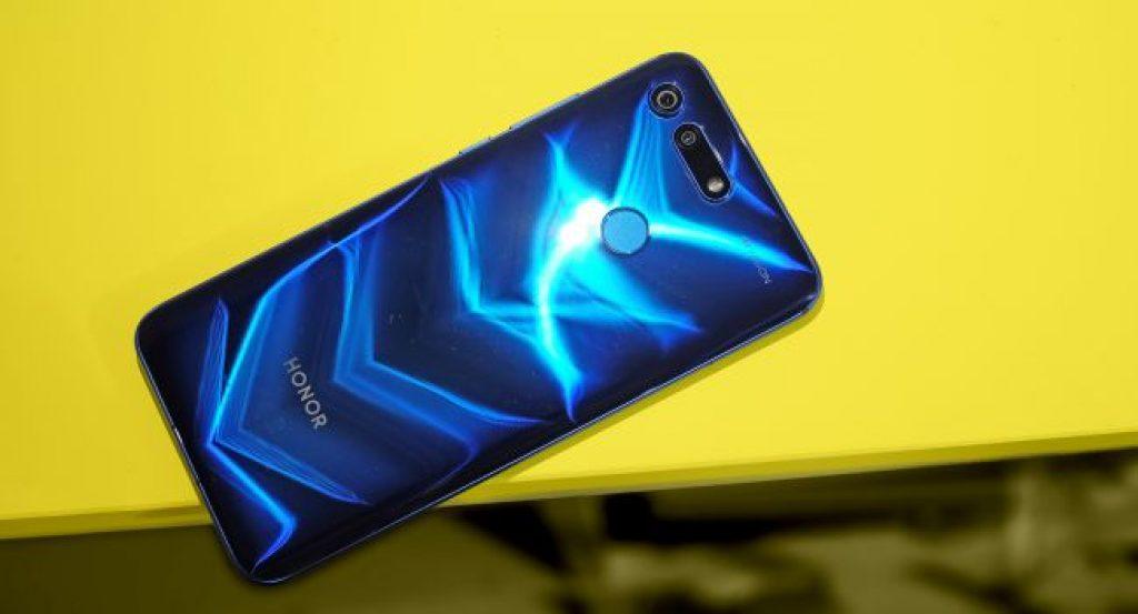 Лучший смартфон - Honor View 20