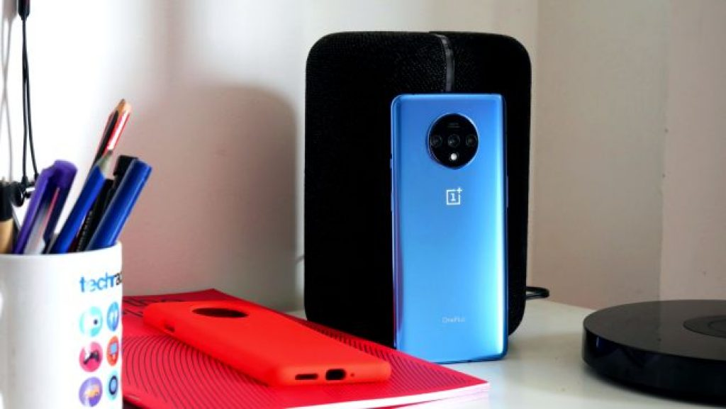 Лучший смартфон - OnePlus 7T
