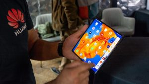 Складной смартфон Huawei Mate Xs