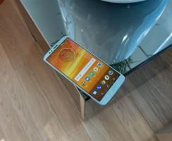 Пред. обзор Moto E5 Plus