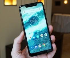 Предварительный обзор Motorola One