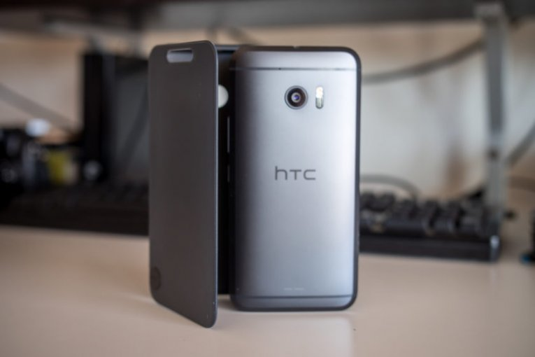 Телефон HTC 10 и чехол Ice View Case