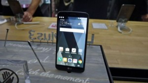 Телефон LG Stylus 3