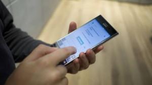 Смартфон Sony Xperia XZ Premium