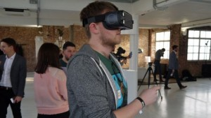 Гарнитура Samsung Gear VR (2017)
