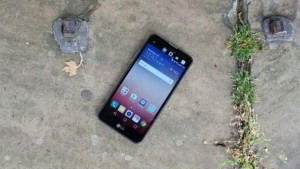 Бюджетный смартфон LG X Screen