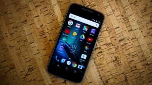 Бюджетный смартфон Motorola Moto G4 Play