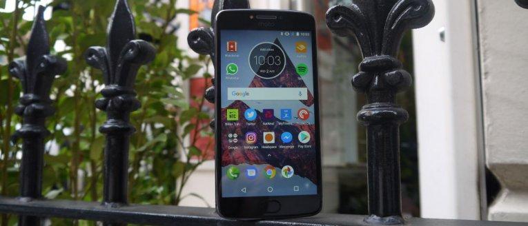 Обзор Moto E4 Plus
