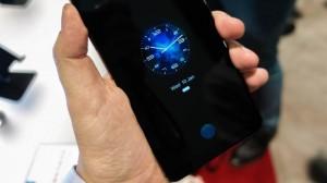 Смартфон с сенсорным сканером отпечатков