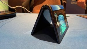 Гибкий смартфон Royole FlexPai