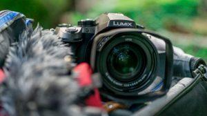 Лучшие фотоаппараты - Panasonic Lumix FZ2000 - FZ2500