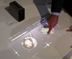 Sony Xperia Touch: Превратите стену в сенсорный экран