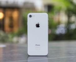 iPhone XC: Утечка в последнюю минуту с цветами и SIM-картами!