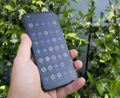 ASUS ZenFone 8 проверяет востребованность маленьких флагманов