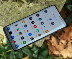 Сравнение: OnePlus 7T Pro против Samsung Galaxy S10 Plus