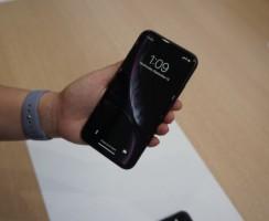 Сравнение: iPhone XR против iPhone 8